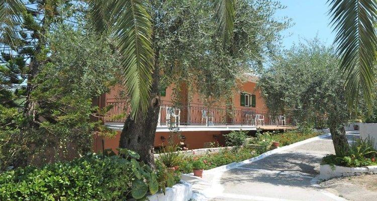 Passas Mare Apartments & Studios
