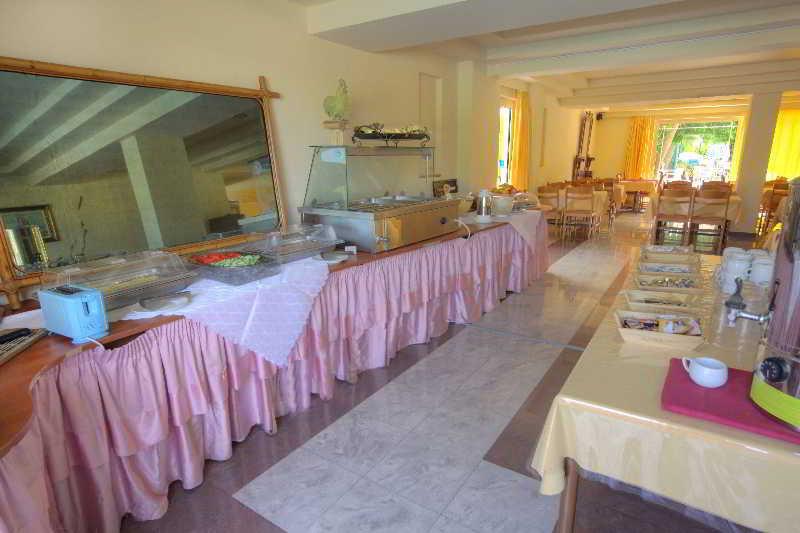 Kassandra Family Aparthotel & SPA