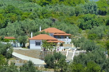 Mega Nero Cottage