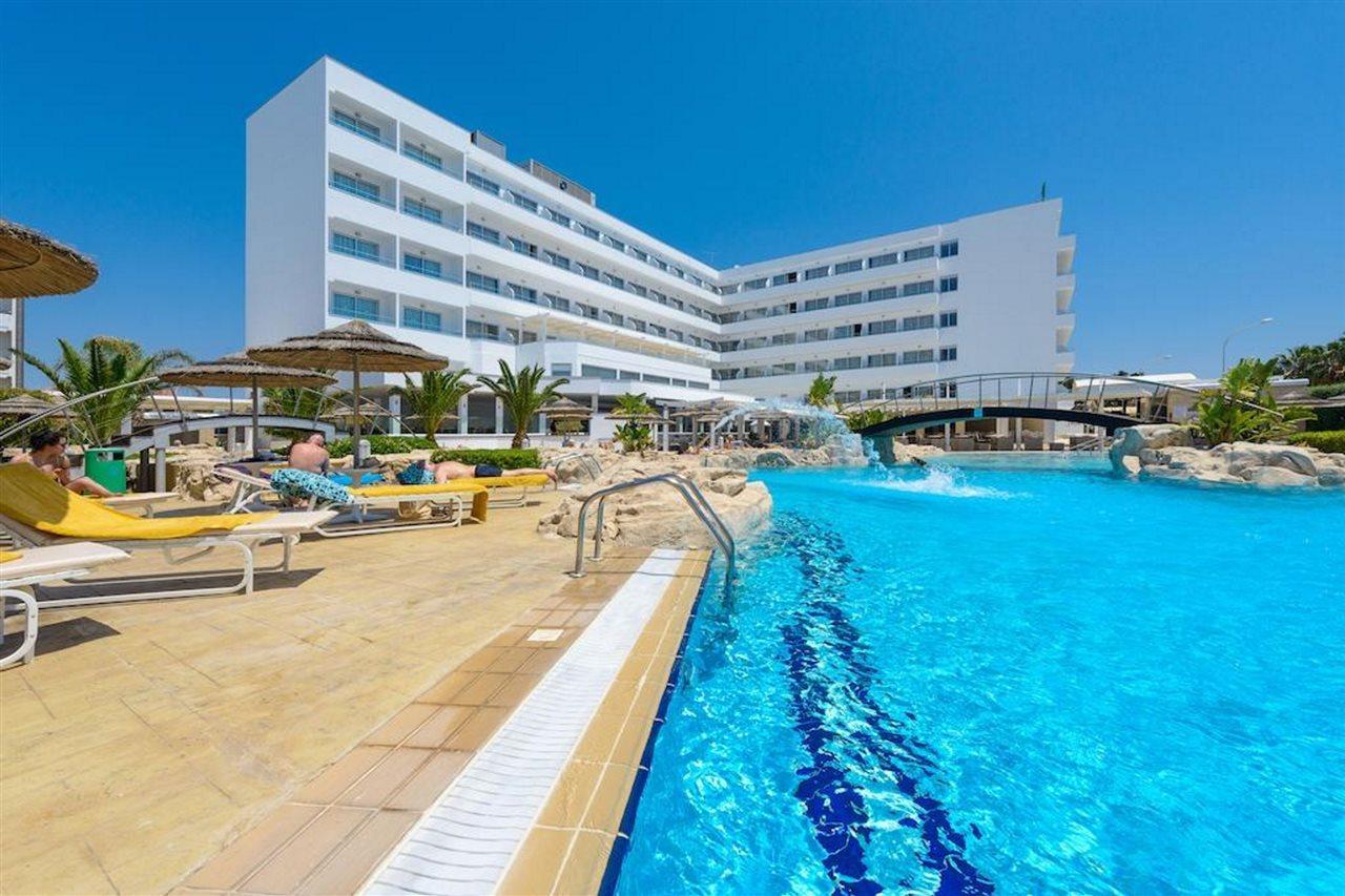 Tasia Maris Beach Hotel and Spa
