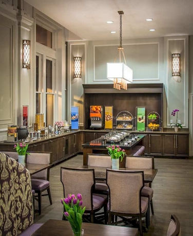 Baltimore Inner Harbor Hampton Inn & Suites