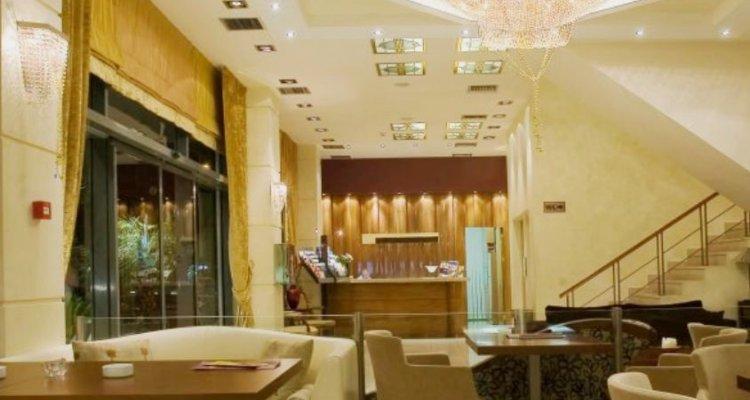 Crystal City Hotel